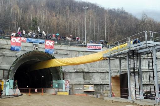 Carotaggi al tunnel di base del Tav a Chiomonte, lavori in corso