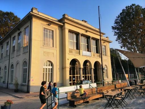Il CAP10100 riaccende l'estate in riva al Po e diventa teatro di posa per gli artisti