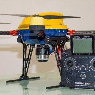 drone con telecomando