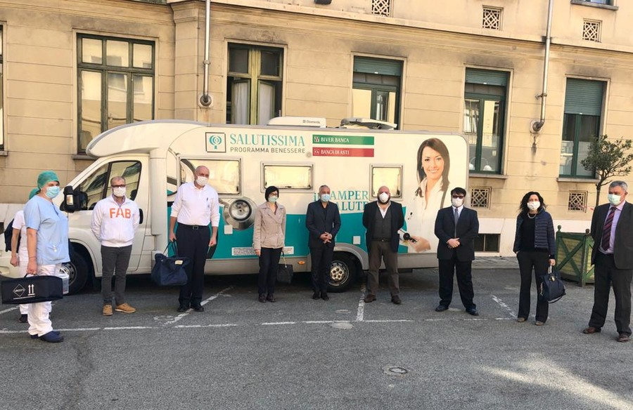 Un Camper Per La Citta Della Salute Caucino E Carosso Grande Gesto Di Generosita Torino Oggi