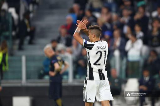 """Juve, primo allenamento per Dybala dopo la guarigione. Chiellini: """"Giusto il taglio degli stipendi"""""""