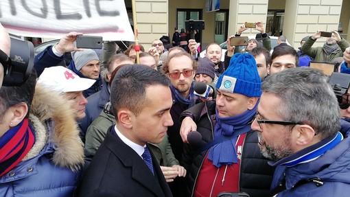"""Embraco, i lavoratori scrivono a Di Maio e a Salvini: """"Mai più casi come il nostro"""""""