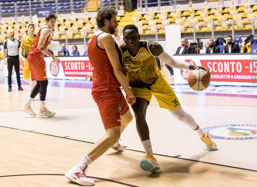 "La Reale Mutua Basket Torino ospita Udine. Cavina: ""Squadra esperta e aggressiva"""