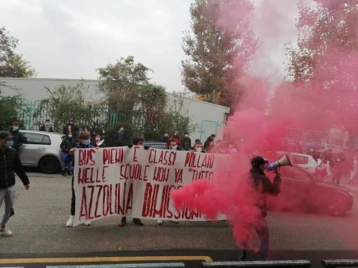 Foto tratte dal profilo Facebook di Fronte della Gioventù Comunista - Torino