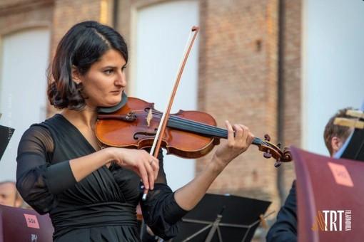 "A Venaria Felix Mildenberger dirige la Filarmonica TRT in ""Enigma"""