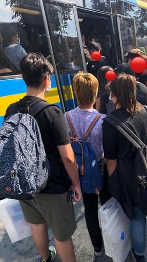 Caos bus scolastici nel Pinerolese: «Abbiamo potenziato ulteriormente le corse e rimodulato gli orari»