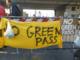Uno dei momenti della protesta al porto di Genova