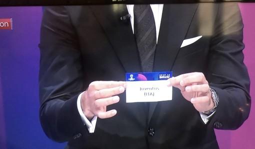 Nell'urna di Nyon la fortuna strizza l'occhio alla Juventus: pescato il Lione