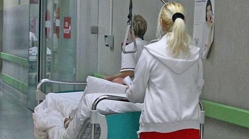 Chiama i carabinieri per sbloccare l'ambulanza: infermiere in commissione disciplinare. E Nursind insorge