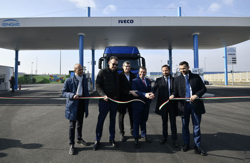 I bisonti della strada hanno un animo gentile e sensibile all'ambiente: Torino ha la sua prima stazione di rifornimento a gas naturale liquefatto
