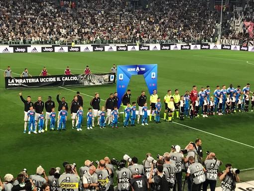 Juve, vittoria al cardiopalma contro il Napoli all'Allianz Stadium: pirotecnico 4-3 con finale thrilling