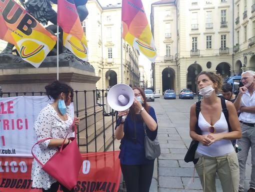 """Lavoratrici di welfare, mense e scuole protestano contro il Comune: """"Vogliamo risposte o sarà sciopero"""""""
