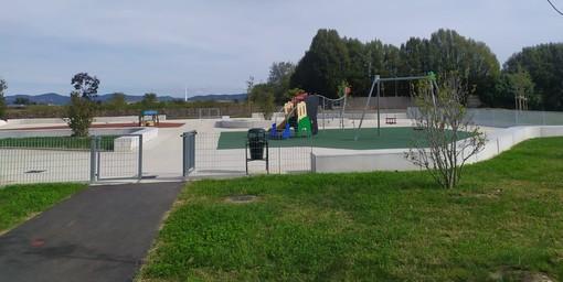 """Giochi, campetti, orti, acqua e tanto verde: i """"Laghetti"""" cambiano volto alla Falchera"""