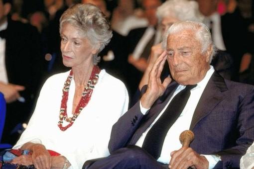 """Villar Perosa, lutto cittadino per la morte di """"Donna Marella"""" Agnelli"""