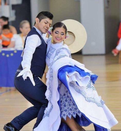 A Torino ballerini da tutta Europa per la Marinera, la danza del corteggiamento
