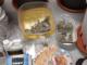 Un uomo lancia un coltello e vari oggetti dalla finestra, interviene la polizia e in casa scopre una serra di marijuana