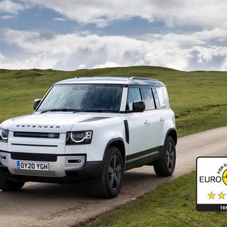 La nuova Land Rover Defender 110 ottiene le cinque stelle Euro Ncap