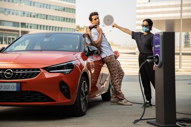 """Opel Corsa-e con Mika: """"L'energia di domani? E' Opel. Simply Electric"""""""