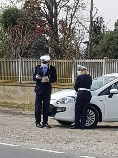 Seminudo e ubriaco nei pressi de Le Gru: multato dagli agenti della polizia municipale