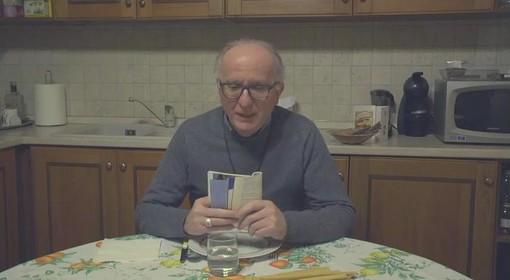 """Monsignor Olivero durante """"Prepariamo cena con il vescovo"""""""