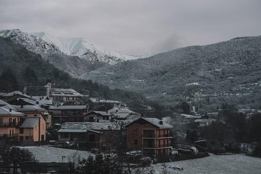 Racconto per immagini della nevicata sul Pinerolese, dalle montagne alla pianura