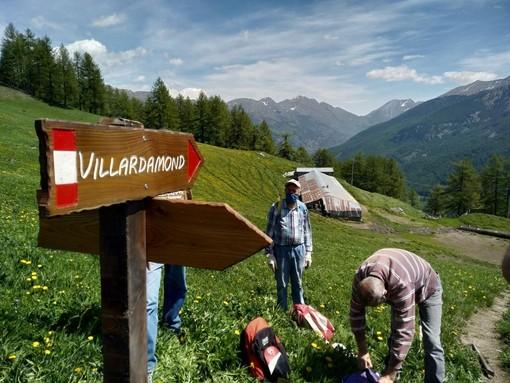 Si parte con il plaisentif e i forestali: i primi sentieri messi a punto dai volontari di Pragelato
