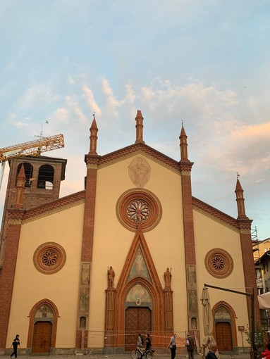 Il Duomo di Pinerolo con il pinnacolo danneggiato