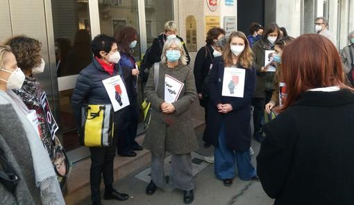 """Protesta al consolato polacco pro aborto: """"Anche in Piemonte siamo sotto attacco"""" [VIDEO]"""