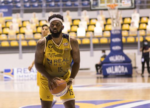 """La Reale Mutua Basket Torino a Scafati. Cavina: """"Bisognerà alzare il ritmo difensivo"""""""
