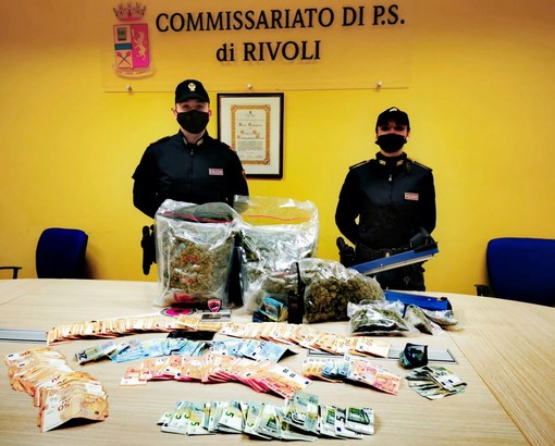 poliziotti droga sequestrata