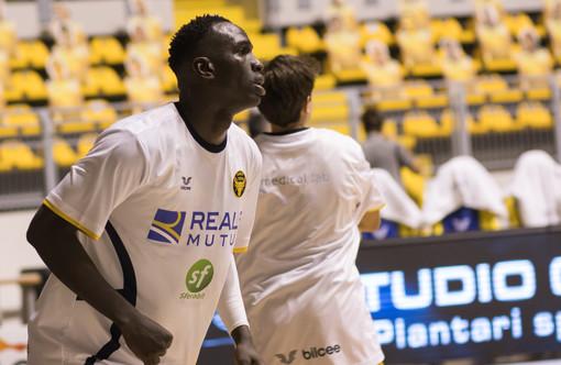 """La Reale Mutua Basket Torino alla ricerca della """"manita"""" contro Trapani"""