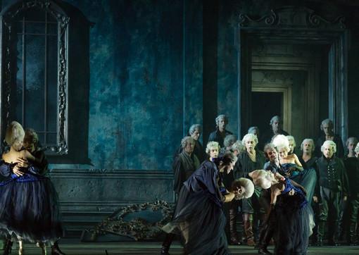 Al Teatro Regio il nuovo allestimento del Rigoletto firmato da John Turturro