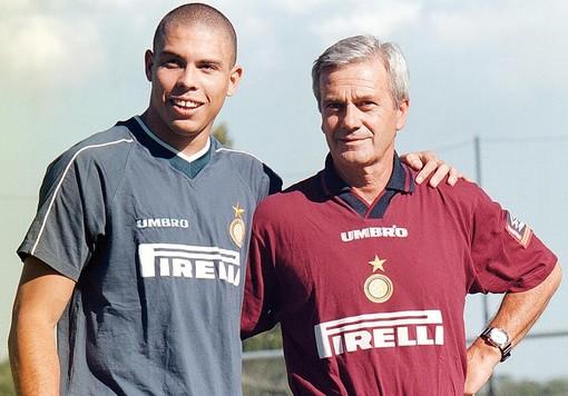 Il mondo del calcio in ansia per Gigi Simoni, ex giocatore e allenatore del Toro