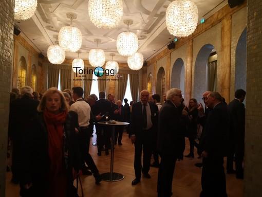 Dalla finanza all'impresa, alla società civile: ecco chi c'era al tavolo con Renzi a Torino [FOTO]