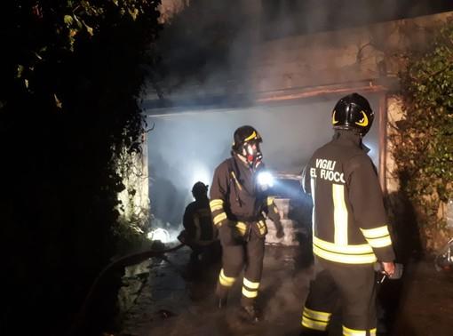 Fiamme in un garage a San Pietro Val Lemina: un ferito