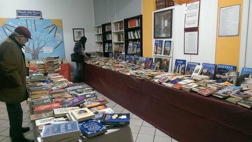 Nichelino, oggi il via alla quarta edizione del Salone del Libro usato: tremila titoli in offerta a 1 euro