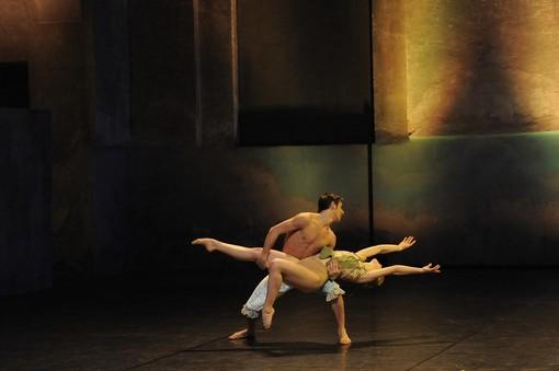 ballerini sul palcoscenico