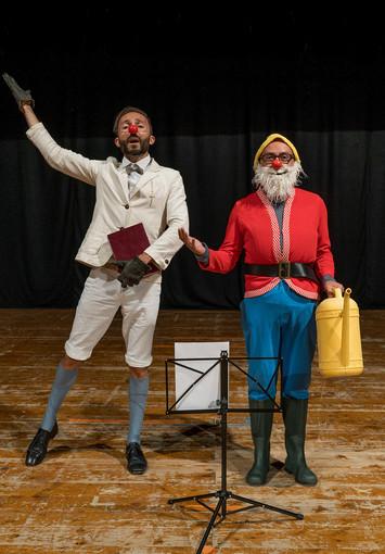 Clownerie alla francese domenica a Perosa Argentina