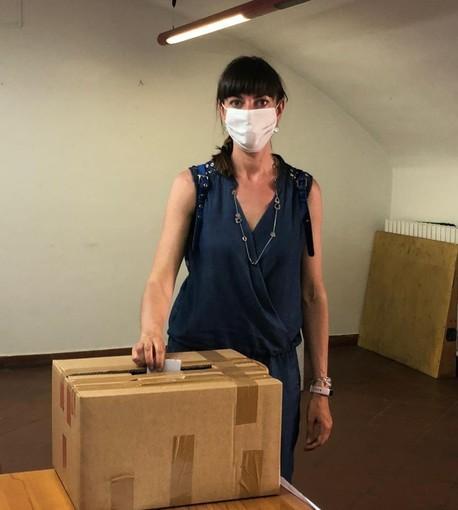 Giulia Guazzora durante la votazione