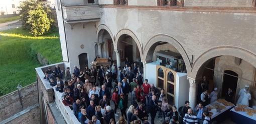 A Saluzzo l'artigianato di ieri, oggi e domani: dalla ex fabbrica di Bertoni al nuovo mobile 2050, passando per il saper fare di 30 artigiani a Casa Cavassa