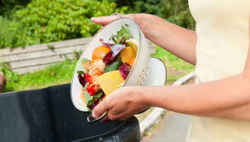 La spesa che combatte gli sprechi alimentari si adatta al Covid-19 (e bussa alla porta di casa)