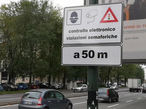 """Vista-Red Torino, in meno di 3 giorni """"pizzicati"""" a bruciare il rosso quasi 1.500 automobilisti"""
