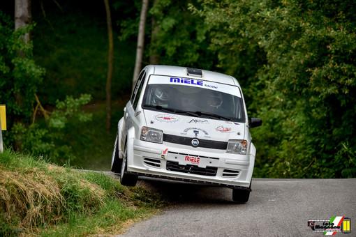 Fra sole e pioggia si riaccendono con successo i motori da rally nella giornata di allenamento a squadre organizzata da Sport Rally Team