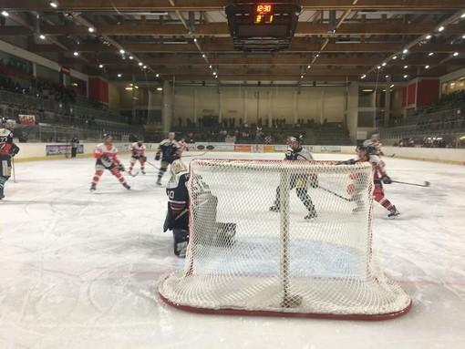 La Valpeagle di Torre Pellice rinuncia al campionato di hockey su ghiaccio: «Una scelta difficile, tra passione e ragione»