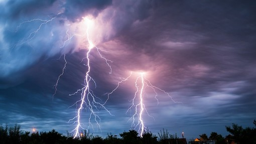 Meteo, il caldo ha le ore contate: in Piemonte è allerta gialla per i temporali forti