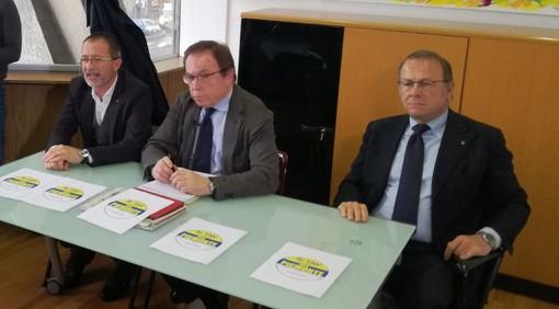 """Elezioni regionali, 2mila firme per dire """"Sì Tav sì lavoro per il Piemonte nel cuore"""""""