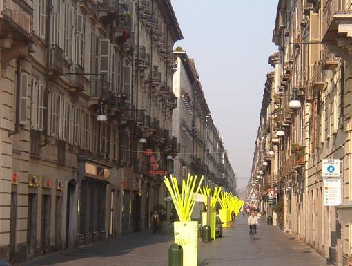 Baby gang minaccia e deruba 17enne nel centro di Torino: fermati