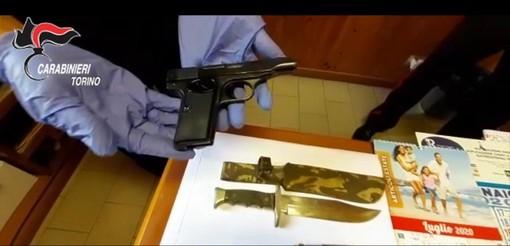 Sequestrate armi, coltelli e contabilità usuraia a casa di un insospettabile pensionato: arrestato dai carabinieri
