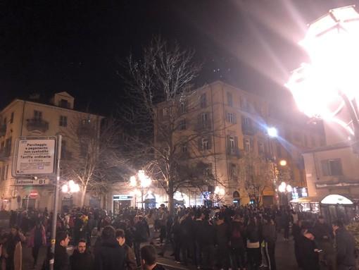 """A Torino flash mob per la movida """"responsabile"""": """"Stiamo riconquistando i nostri spazi, non torniamo indietro"""""""