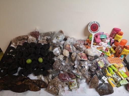 Lotta all'abusivismo a Porta Palazzo: sequestrati oltre 100 chili di prodotti